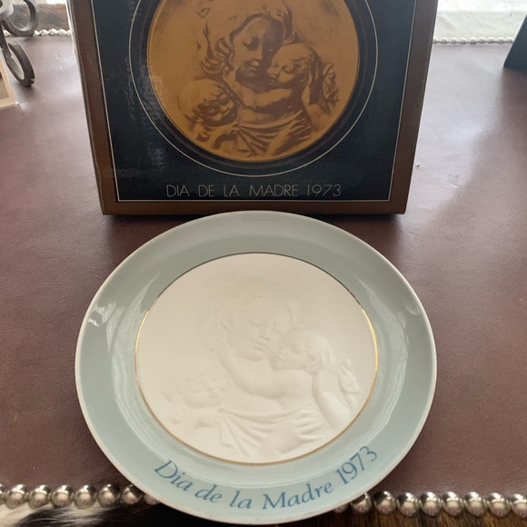 "RARE Lladro ""Día De La Madre"" Mother's Day Plate"